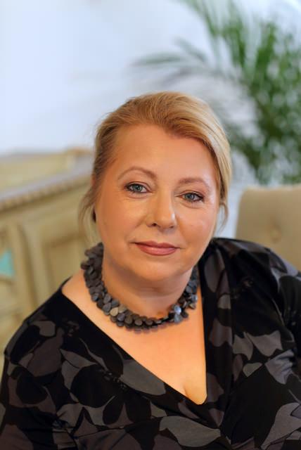 Elizabeth Camillo